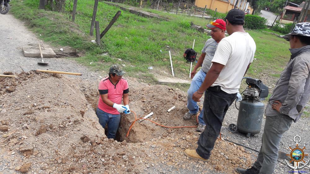 Eliminando acumulaci n de sarro y sedimentos en tuber a de - Tuberia para agua potable ...