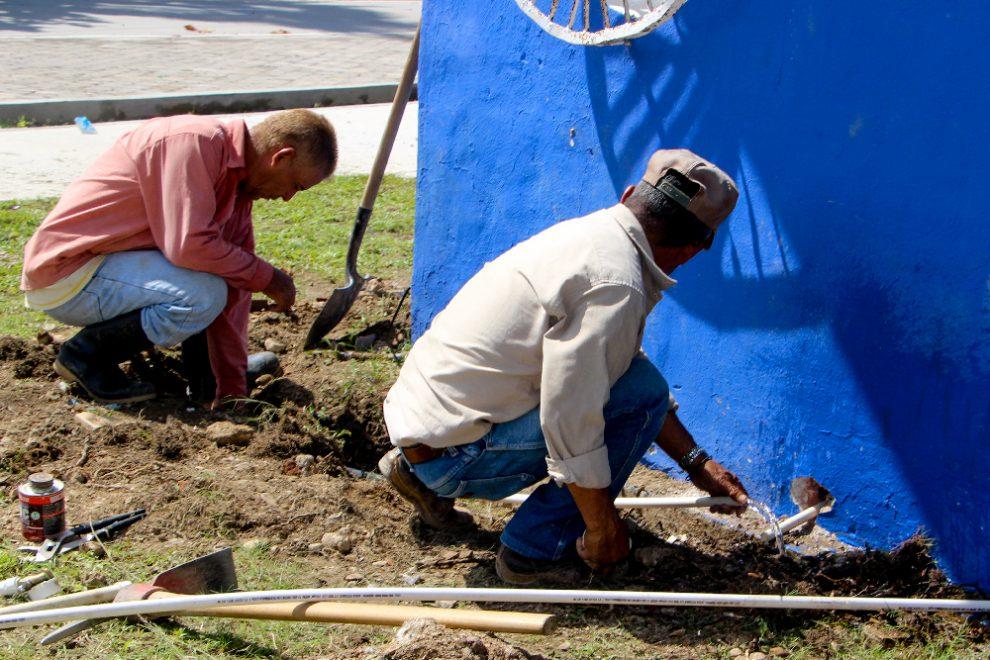 Instalan tuber a de agua potable en la concha ac stica - Tuberia para agua potable ...